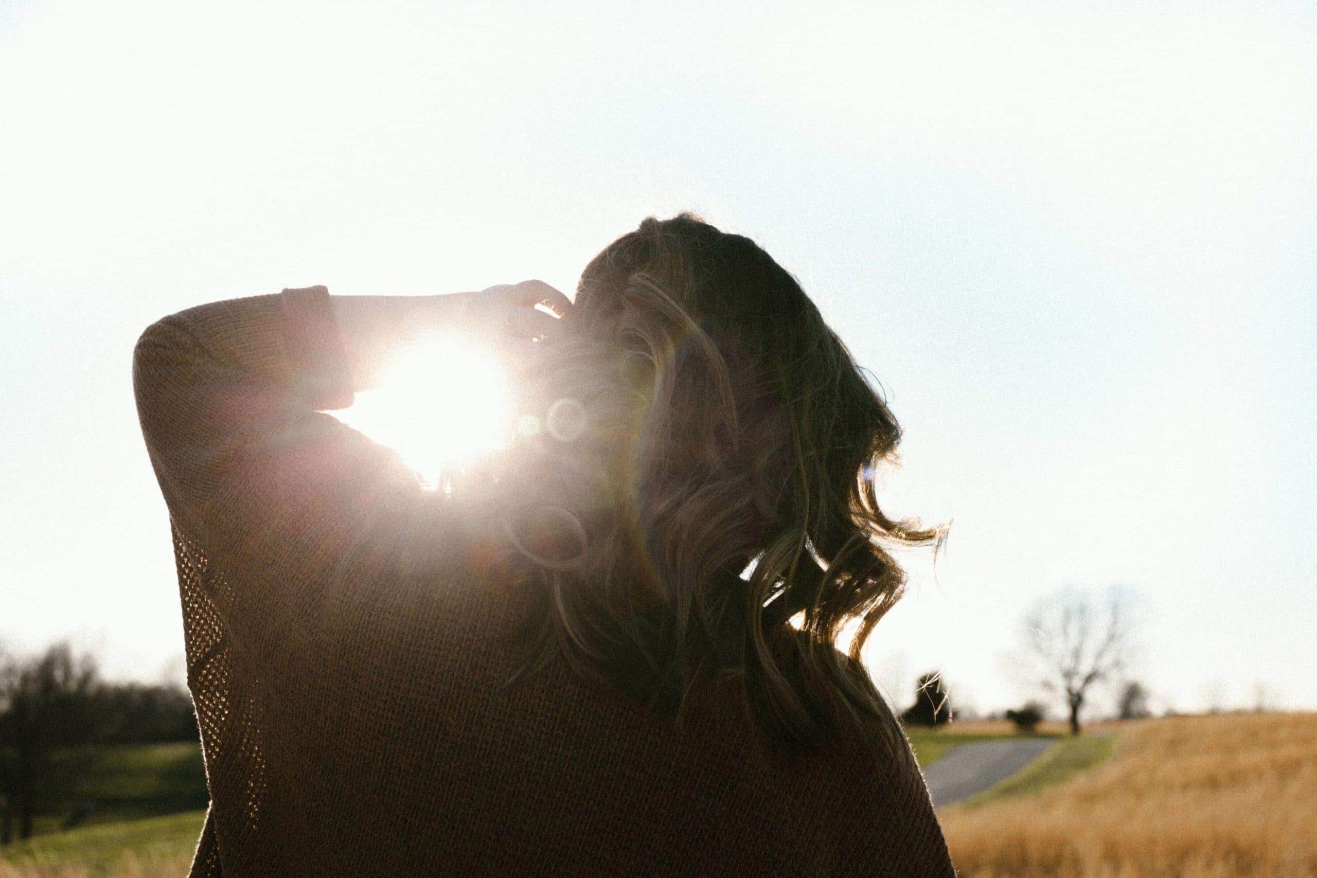 zo bescherm je je haar tegen de zon